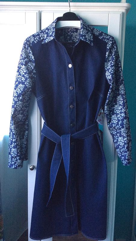 Платье-рубашка изджинсы