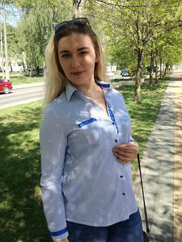 Работа с названием Мальчишеская рубашка с женственными нотками