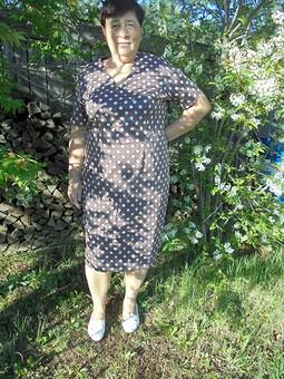Работа с названием Платье кофейное в горох