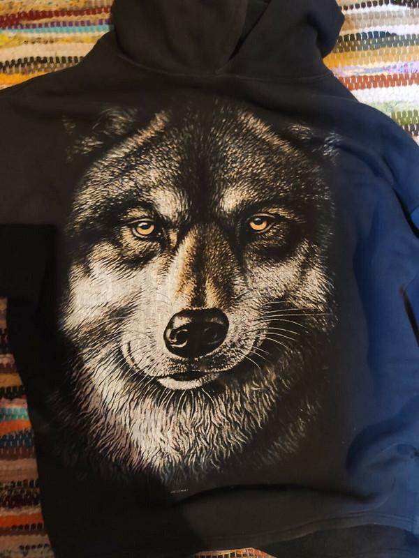 Пуловер «Волк из2000-х»
