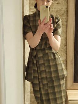 Работа с названием Жакет и юбка