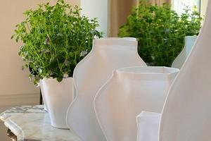 Идея: чехлы из ткани для цветочных горшков и ваз