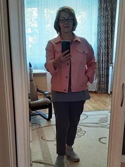 Работа с названием Куртка: розовая джинсовка