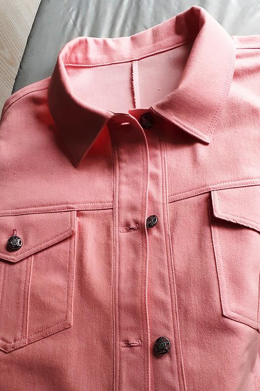 Куртка: розовая джинсовка