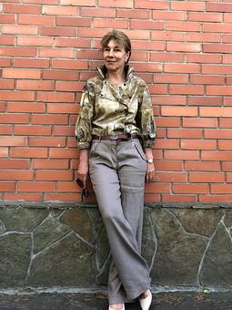 Работа с названием Летний комплект: блуза и брюки