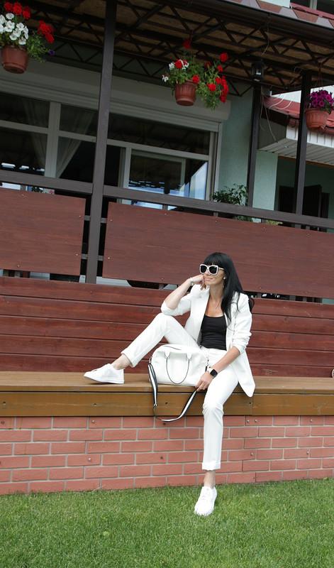Белый брючный костюм от natalik75