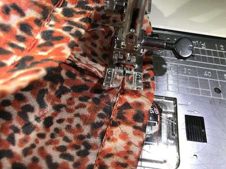 Аккуратная работа: как выполнять швы визделиях изшёлкового шифона