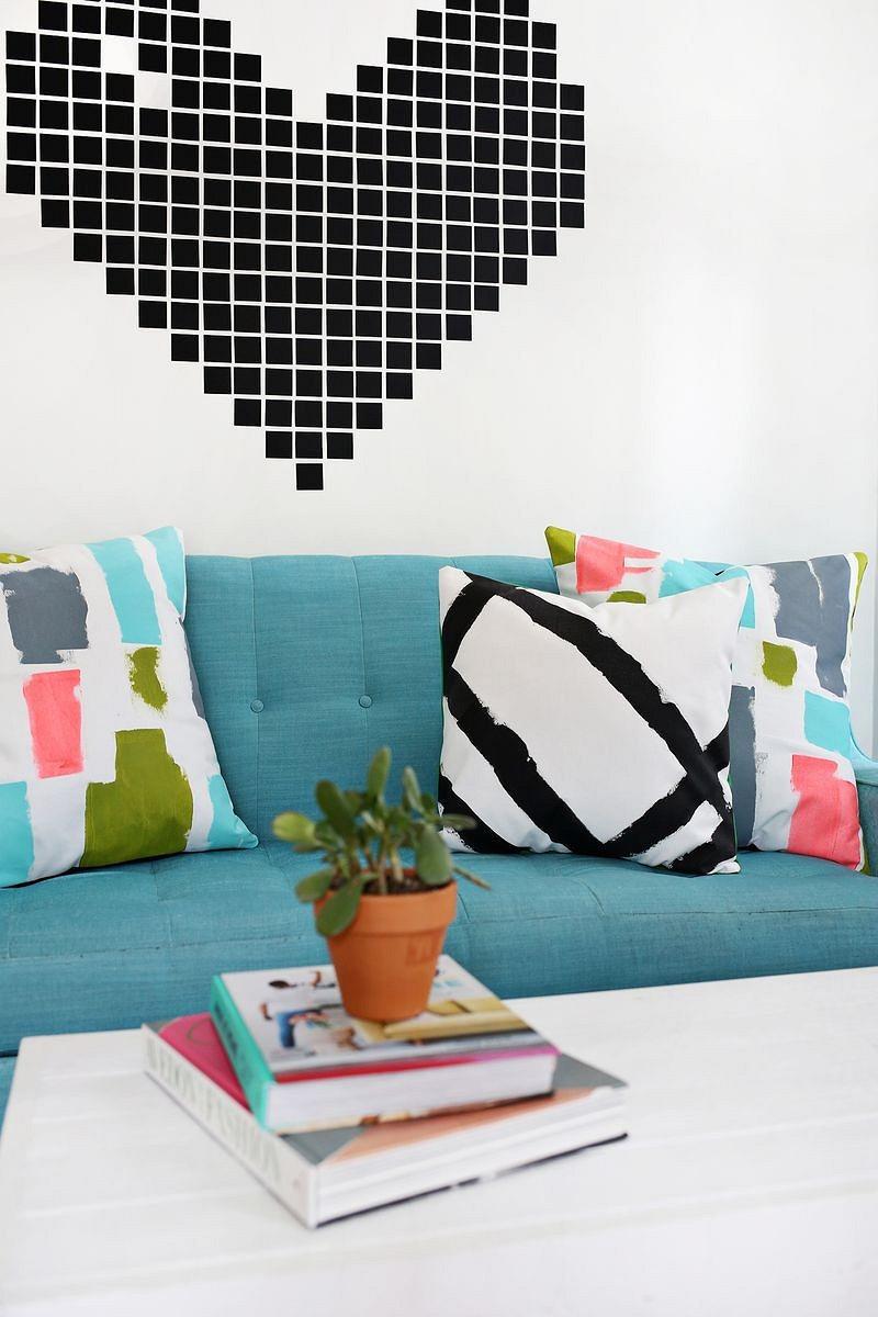 Идея: декоративные подушки сабстрактным рисунком