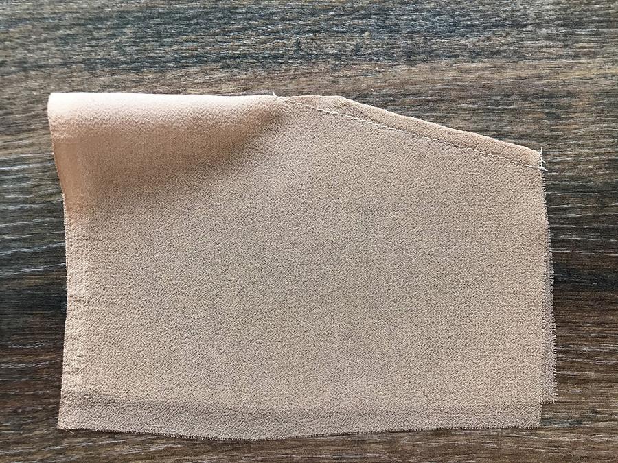 Как выполнить широкую вытачку визделии изшёлкового шифона
