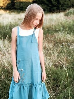 Работа с названием Льняной сарафан с вышивкой для девочки