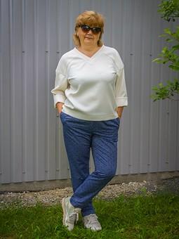 Работа с названием Простые, но нужные вещи: летние брюки из джинсы