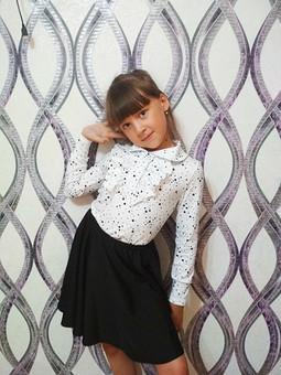 Работа с названием Блузка и юбка для школы
