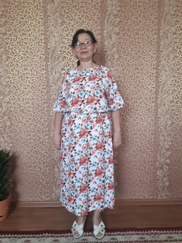 Платье простого кроя от Klarissa
