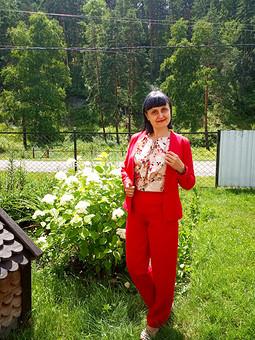 Работа с названием Шелковая блузка с жабо для любимого костюма