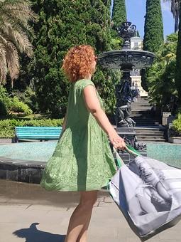 Работа с названием Платье из зелёного шитья