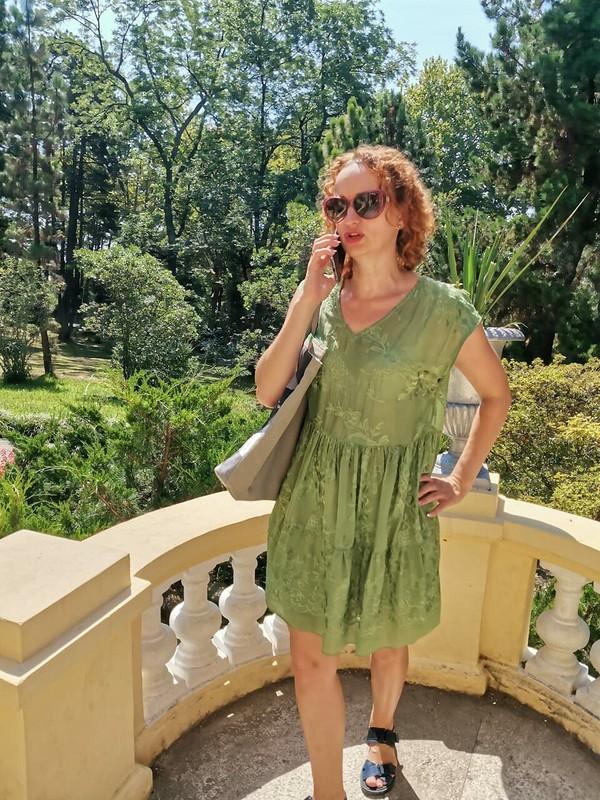 Платье иззелёного шитья от Йожка