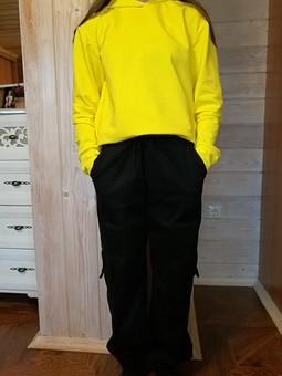 Работа с названием Анорак или худи? Карго или брюки?