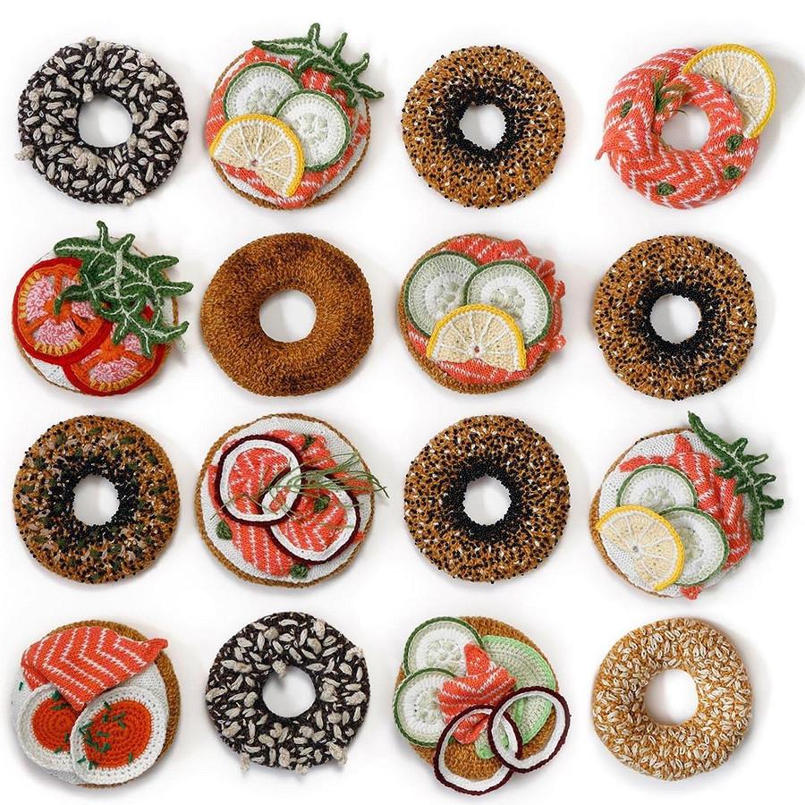 Вязаный кетчуп, или как дизайнер потекстилю стала создавать еду изпряжи: рукодельный instagram недели
