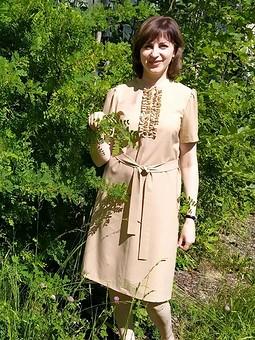 Работа с названием Платье с рюшами