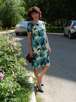 Работа с названием День семьи с Юлией Голубковой. Цветочное платье
