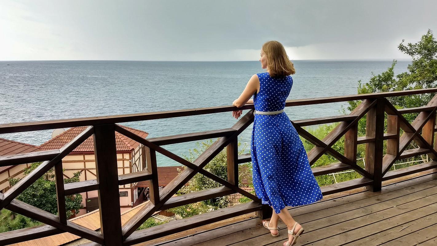 Женственное летнее платье от Elena R
