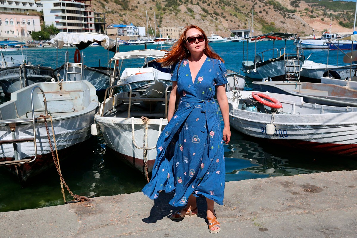 Платье изсинего шёлка от Sultleysan