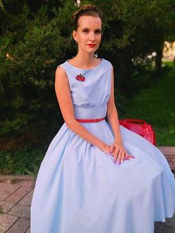 Работа с названием Платье в стиле ретро