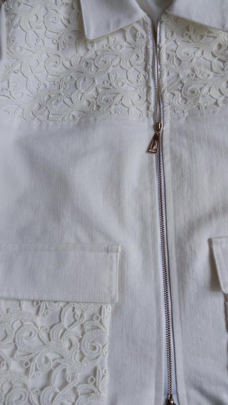 Белый жакет от Вианн Роше