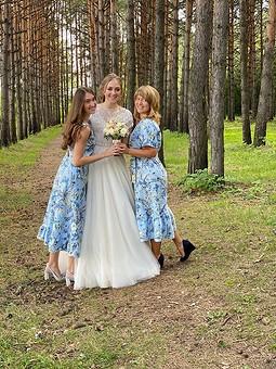 Работа с названием Платья подружек невест