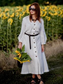 Работа с названием Белое льняное платье