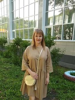 Работа с названием Льняное золотое платье