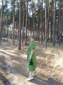 Работа с названием Платье в горох