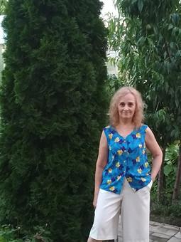 Работа с названием Блузка с листьями