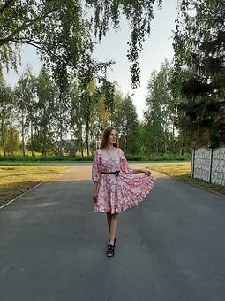 Работа с названием Платье августа