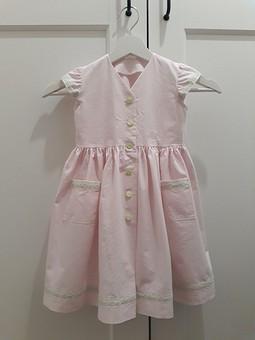Работа с названием Розовое и детское платье