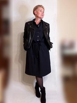 Работа с названием Немаленькое черное платье