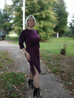 Работа с названием Фиолетовое платье 10/2015