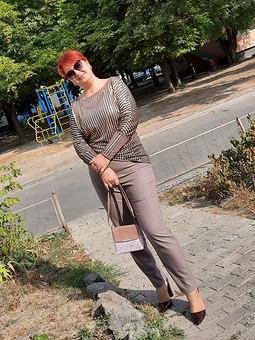 Работа с названием Осень на дворе: одни брюки, два образа