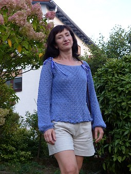 Работа с названием Голубая дымка - пуловер