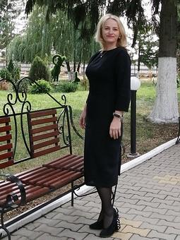 Работа с названием Любимое черное платье