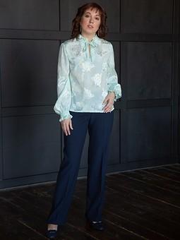 Работа с названием Романтичная блузка