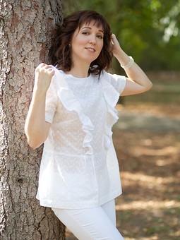 Работа с названием Летняя блузка с оборками