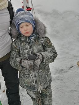 Работа с названием Зимний комплект: куртка и брюки