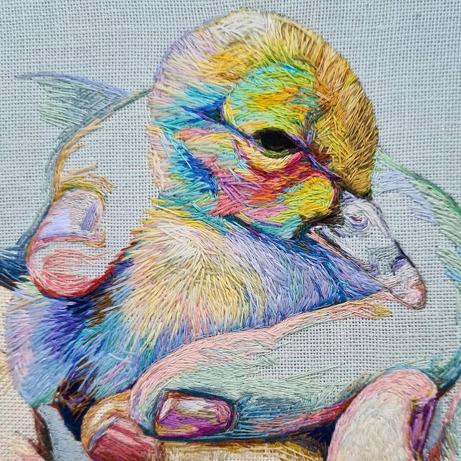 Вышивка свиртуозным использованием цвета: рукодельный instagram недели