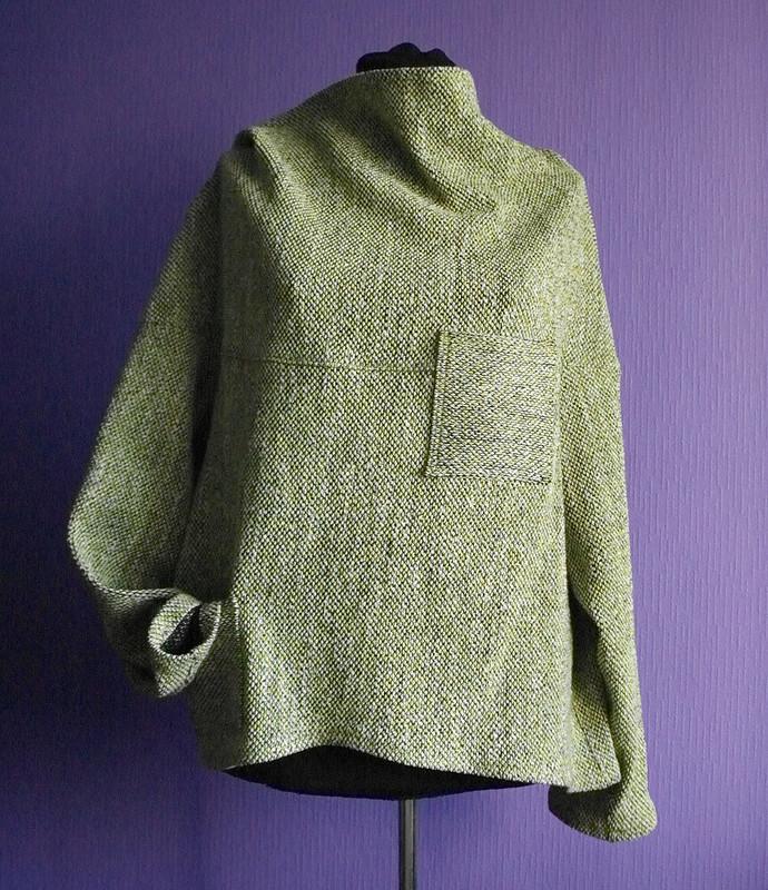 Чешуйчатый пуловер