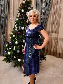Работа с названием Новогоднее платье с пайетками