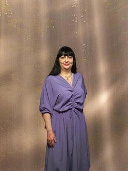 Работа с названием Сиреневое платье