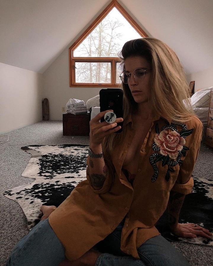 Вышивка, дающая винтажной одежде новую жизнь: рукодельный instagram недели