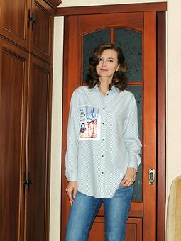 Работа с названием Рубашка с пришивной аппликацией