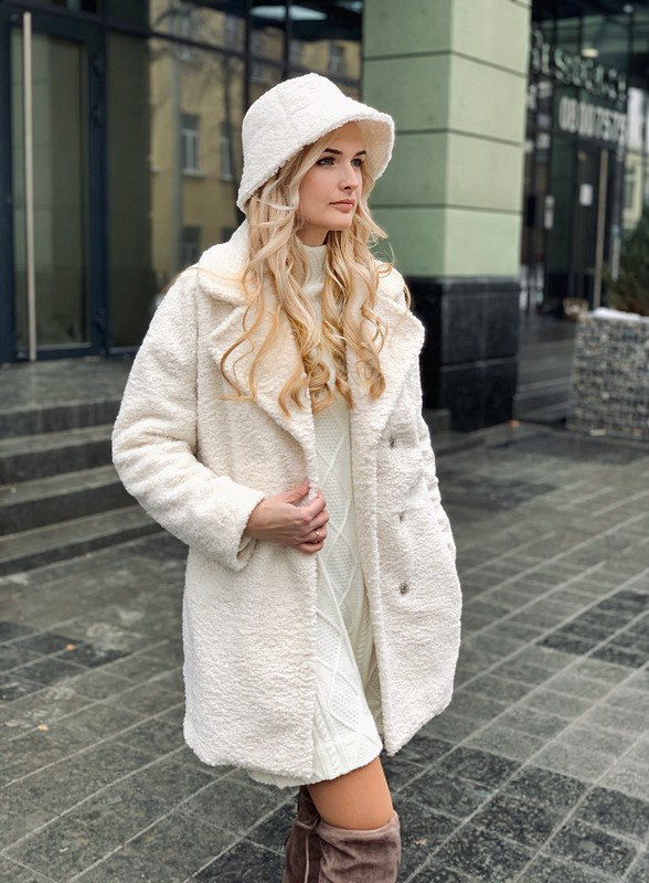 Зимний комплект: шубка иплатье от @axma_atelier